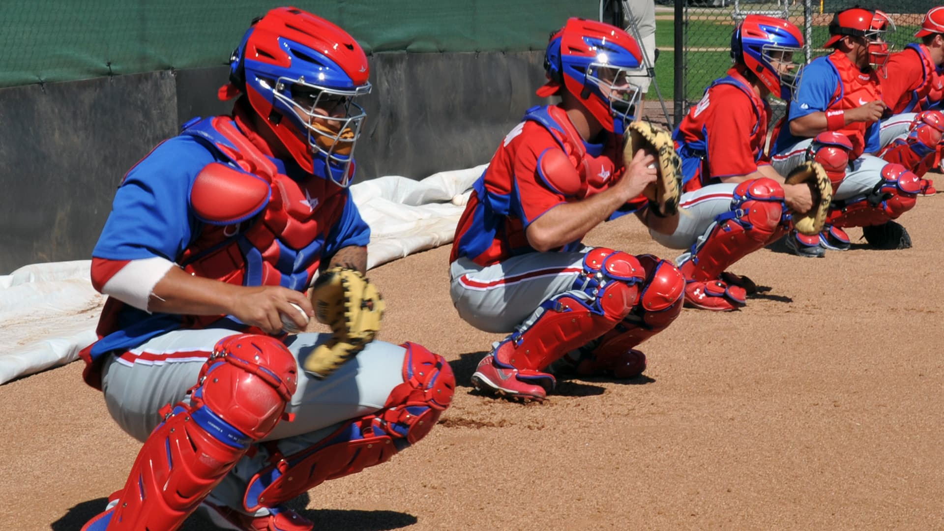 catchers practicing spring training