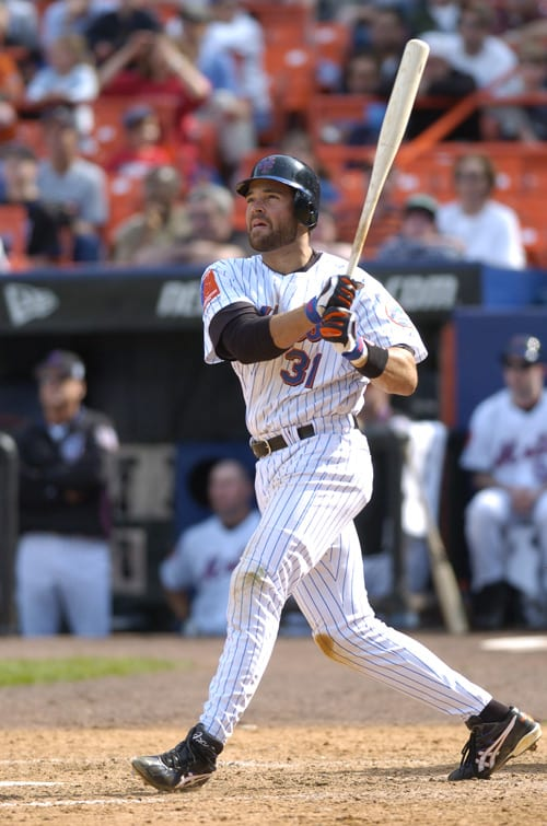 Former Mets Catcher Mike Piazza hitting