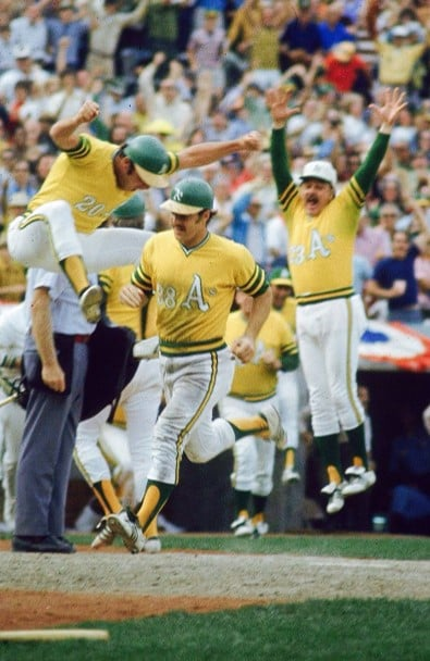 Gene Tenace scores the winning run to end game 1 of the 1972 World Series