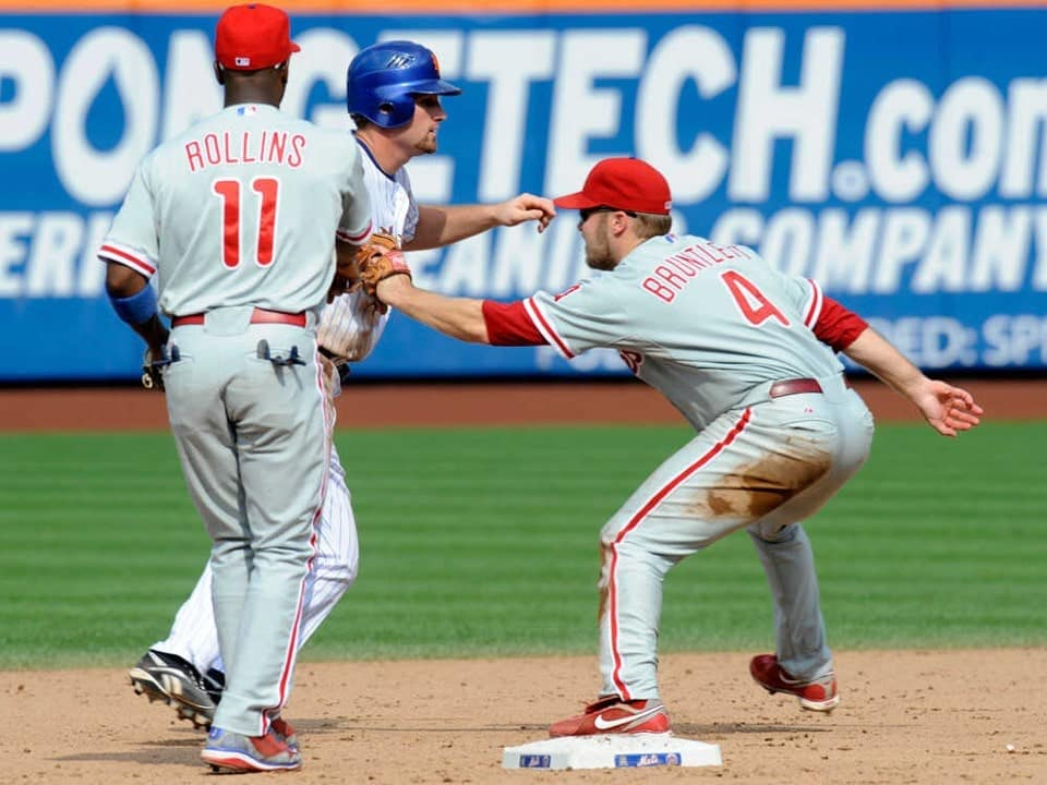 Phillies' second baseman completes an unassisted triple play against the Mets
